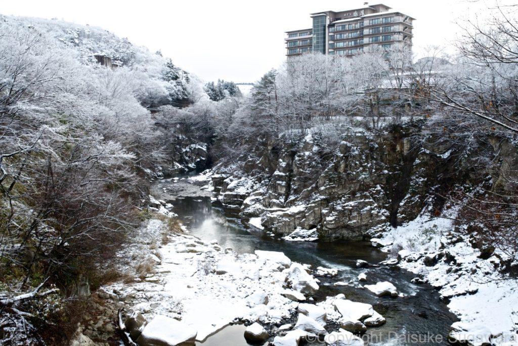 冬の磊々峡の遠景